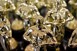 300px-Replicas_of_Academy_Award_statuette