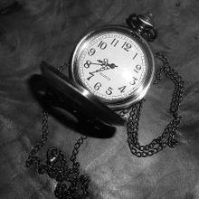watch-164873_640
