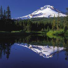 755px-Mount_Hood_reflected_in_Mirror_Lake__Oregon