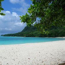 champagne-beach-north-santo-vanuatu