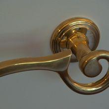 door-knob-84319_640