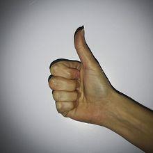 hand-613252_640