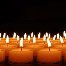 candles-492171_640