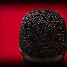 microphone-528784_640