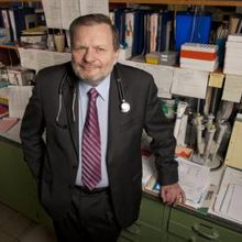 Caption: John Morley, M.D., director of geriatrics at Saint Louis University, is the author of a consensus article from representatives of six international and national medical societies. They call for doctors to screen everyone older than 70 for physical frailty. Credit: Photo by Steve Dolan