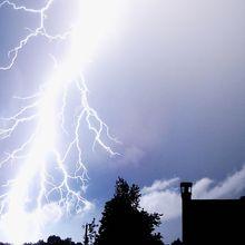 publicdomain-lightning-flipped