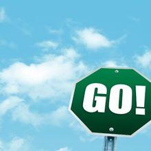 go-road-sign