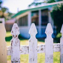 picket-fences-349713_640