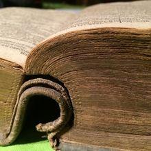 book-515081_640