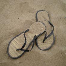sandals-186437_640